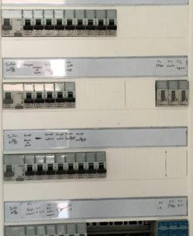 MGE met aux normes et installe vos installations électriques, compteurs et panneaux
